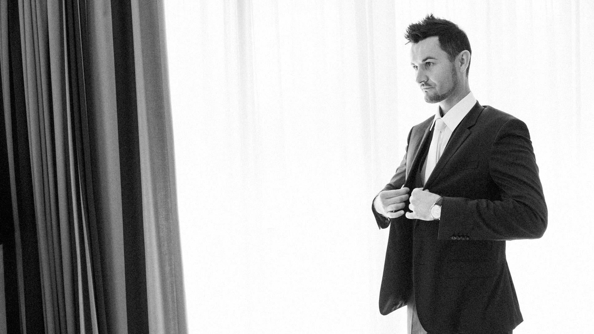 preparazione_dello_sposo_fotografo_matrimonio_varese_como_milano_ticino